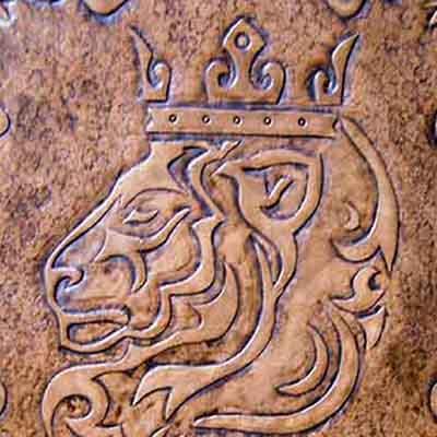 Кожаная картина льва