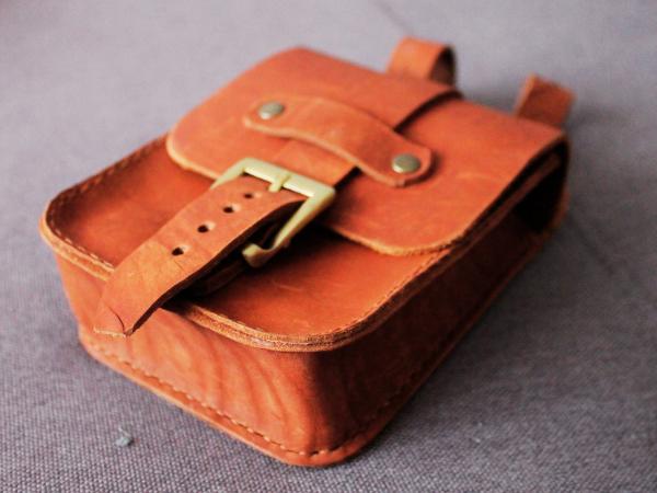 Кожаная поясная сумка мужская ручной работы